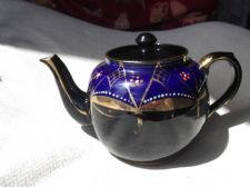 VINTAGE HIGHLY GILDED COBALT BLUE HANDPAINTED FLOWERS PRICE BROS TEAPOT